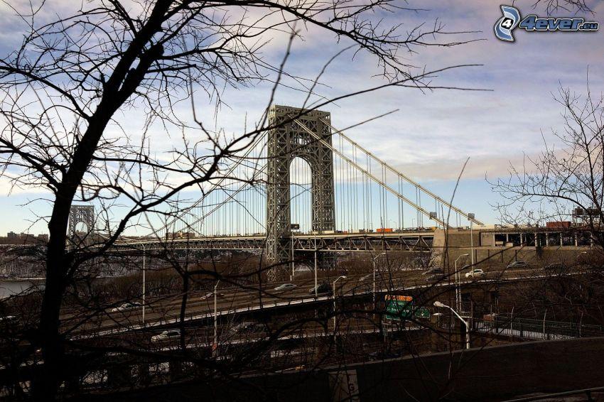 George Washington Bridge, stromy
