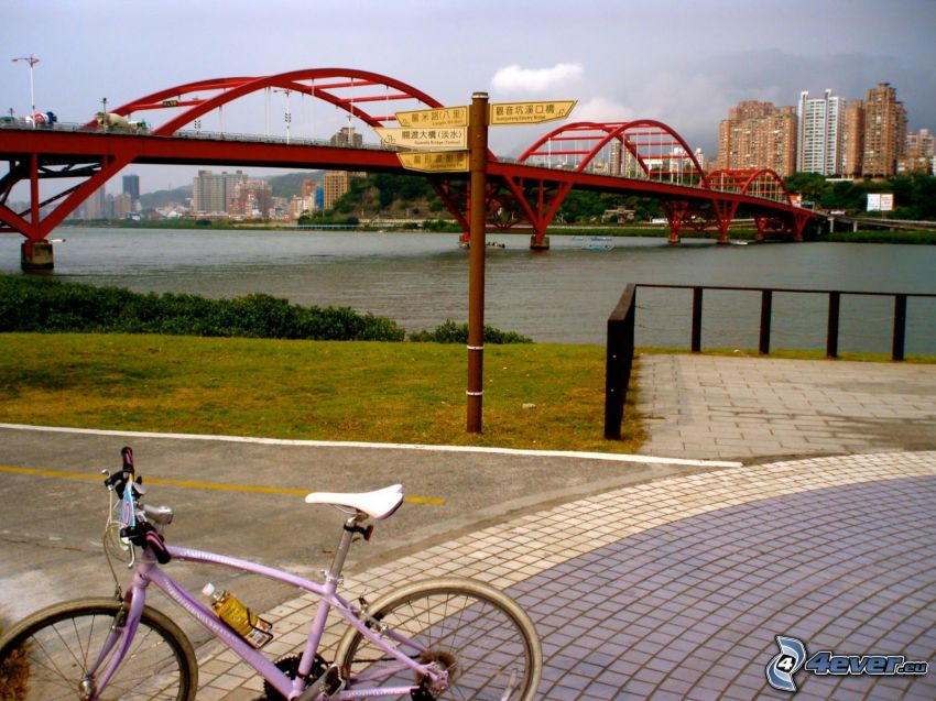 Guandu Bridge, chodník, bicykel