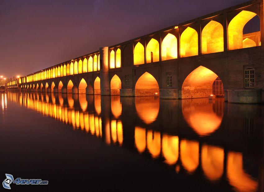 Khaju Bridge, osvetlený most, noc