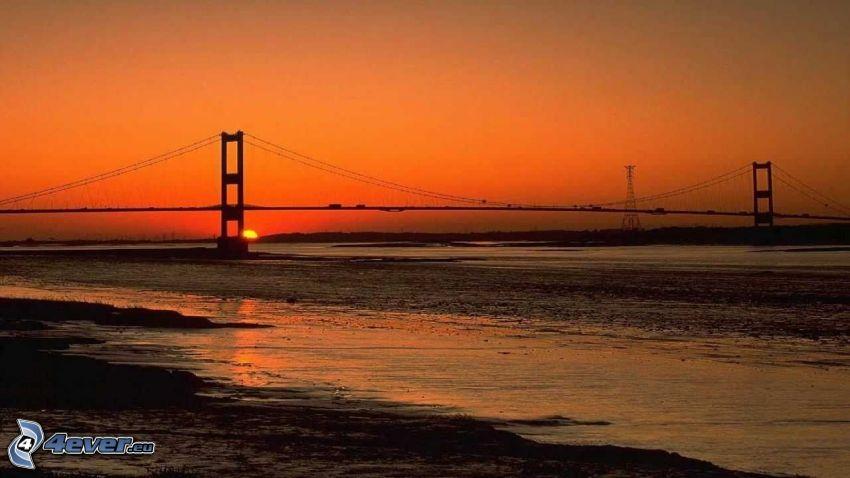 Severn Bridge, more, západ slnka