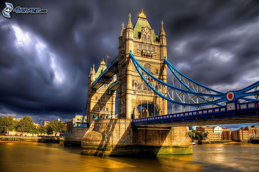 Tower Bridge, HDR, Temža, tmavé oblaky