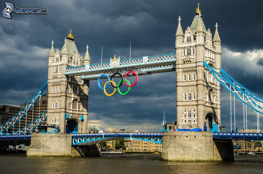 Tower Bridge, olympijské kruhy, Londýn, Anglicko, Temža, mraky