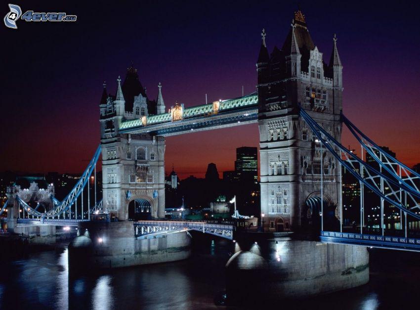 Tower Bridge, osvetlený most, noc