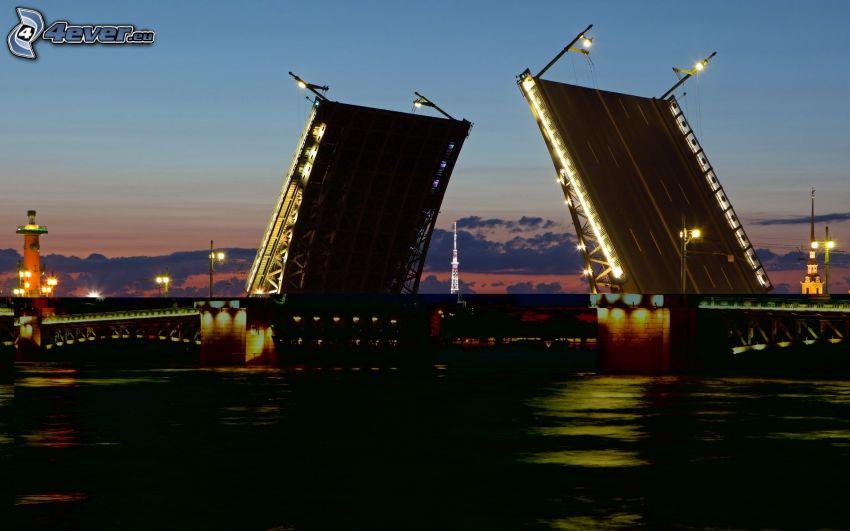sklápací most, večer