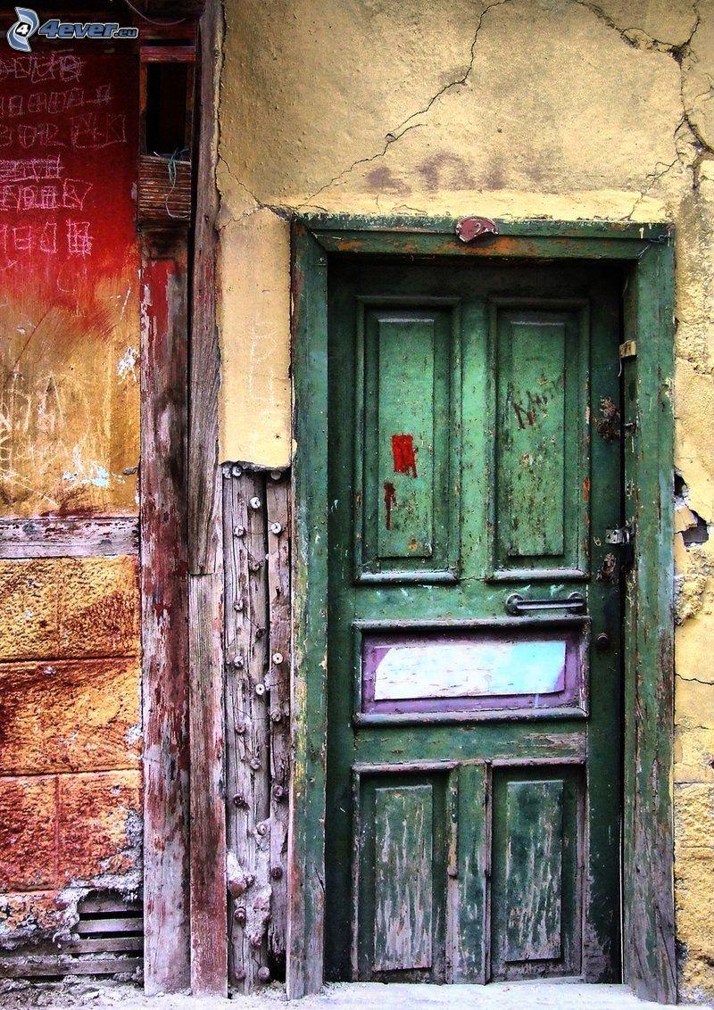 staré dvere, stará stena