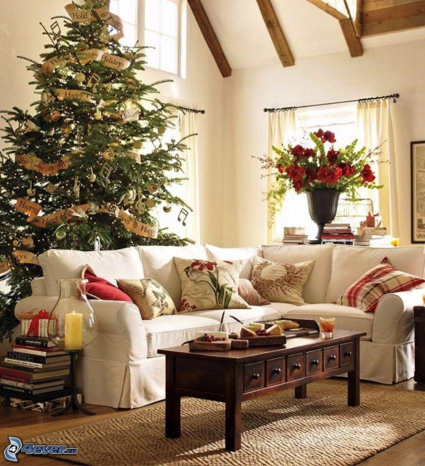vianočne ozdobená izba, obývačka, gauč, vianočný stromček