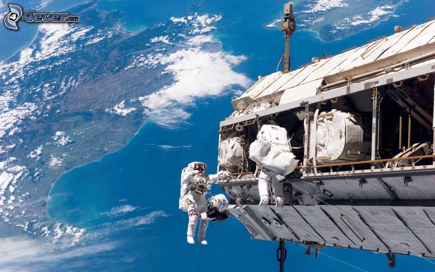 kozmonauti, kozmonaut na ISS, Medzinárodná Vesmírna Stanica ISS, Zem