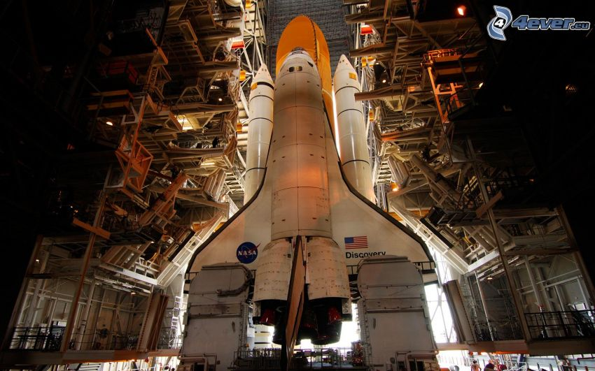 raketoplán Discovery, NASA Vehicle Assembly Building