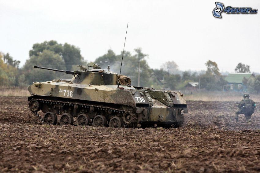 tank, vojak