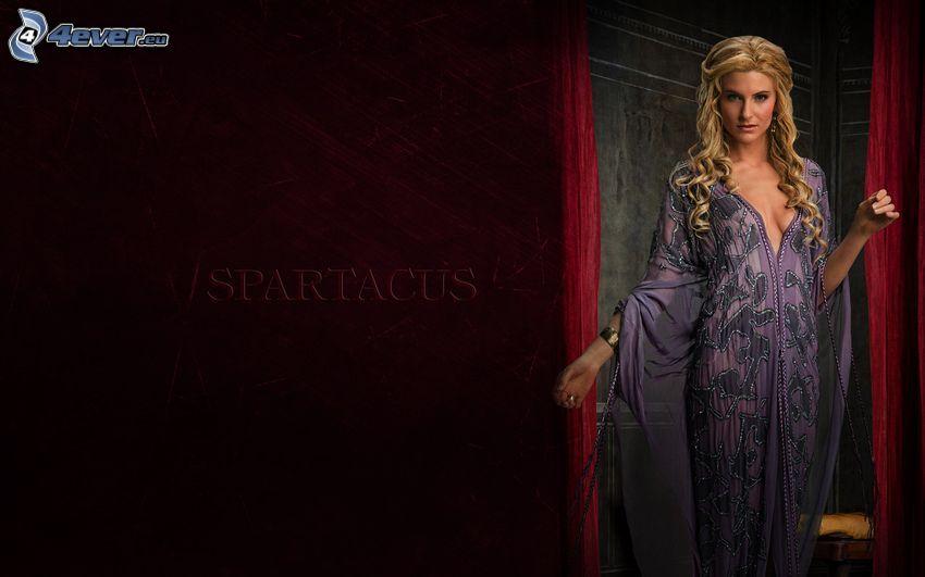 Spartacus, blondínka, nočná košeľa