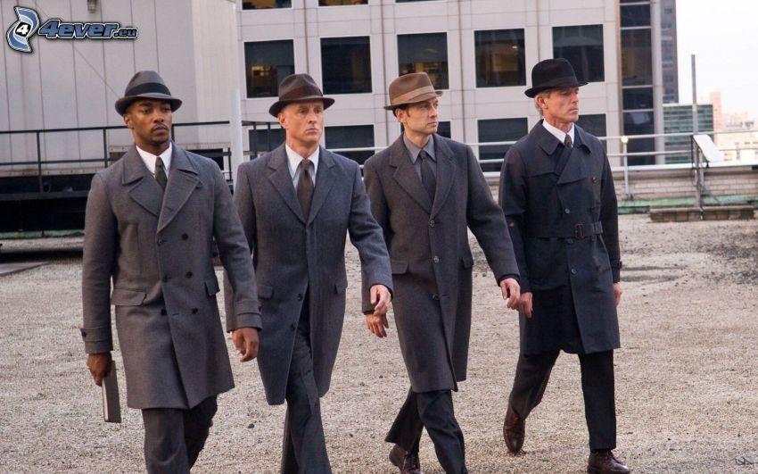 The Adjustment Bureau, muži v oblekoch