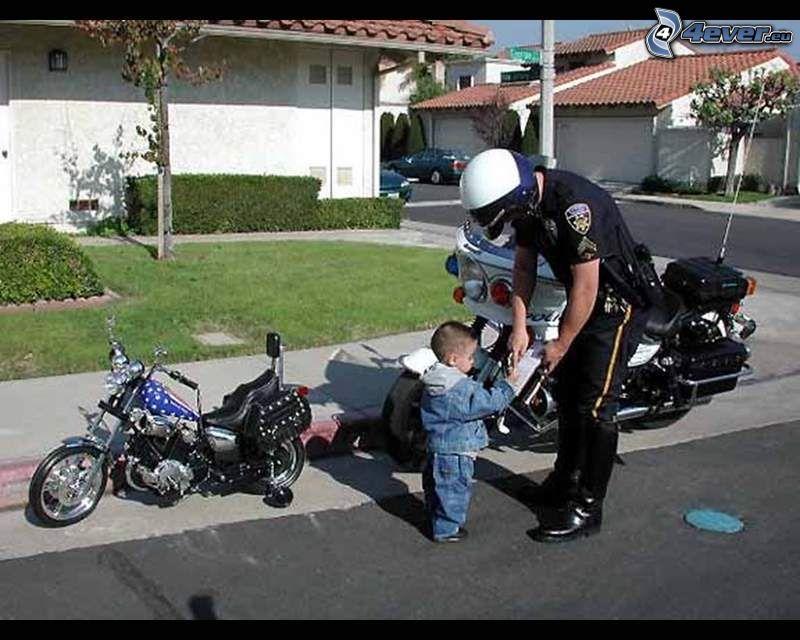 pokuta, policajt, dieťa, motorky
