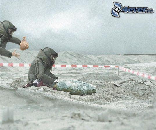 zneškodnenie bomby, výbuch, piesok
