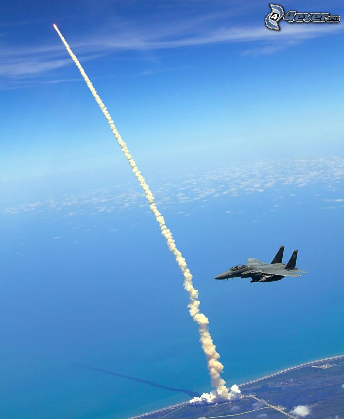 when did the space shuttle start - photo #35