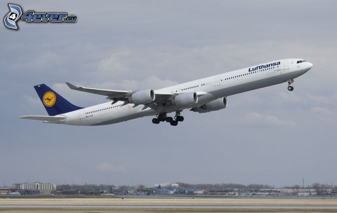 Airbus A340, take-off