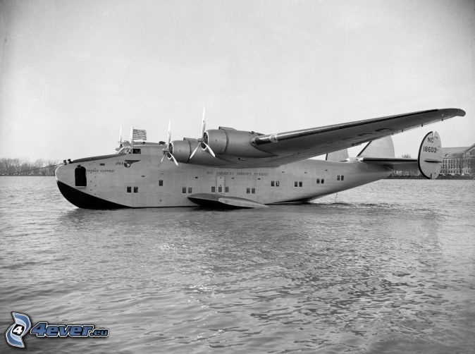 Boeing 314a, water, black and white photo