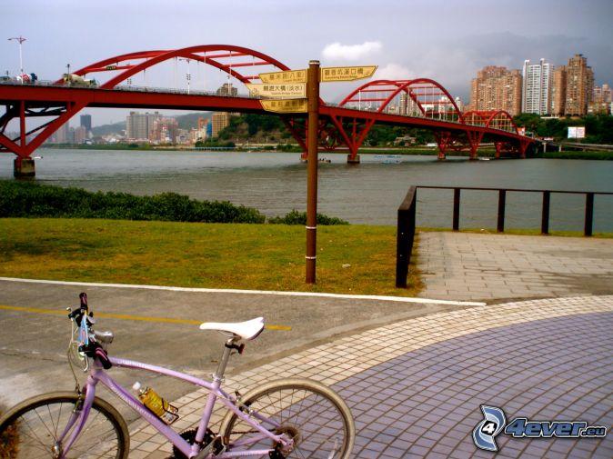 Guandu Bridge, sidewalk, bicycle