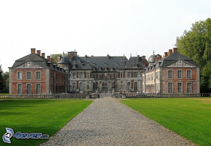 Château de Belœil, sidewalk