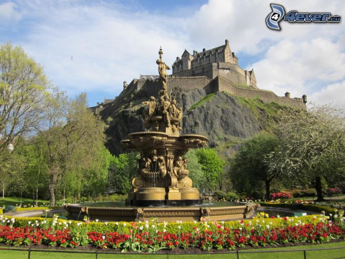 Edinburgh Castle, garden, fountain