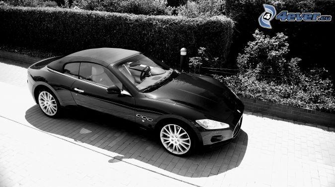 Maserati GranCabrio, black and white photo