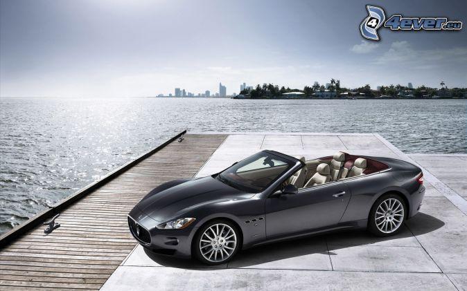 Maserati GranCabrio, convertible, sea
