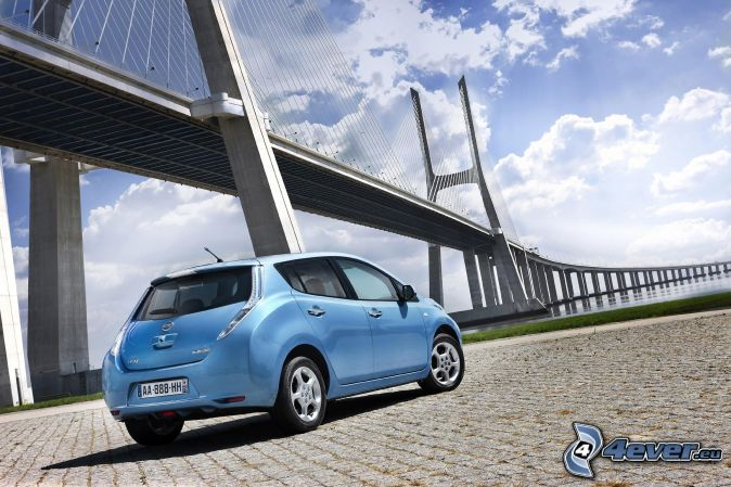 Nissan Leaf, bridge