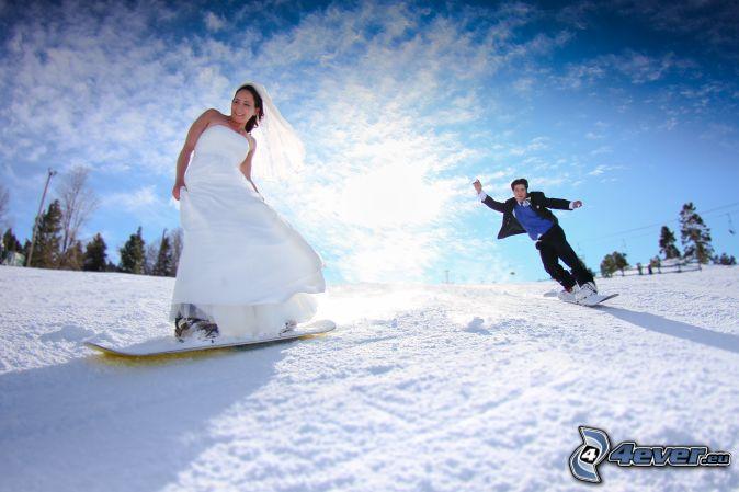 wedding couple, snowboarding