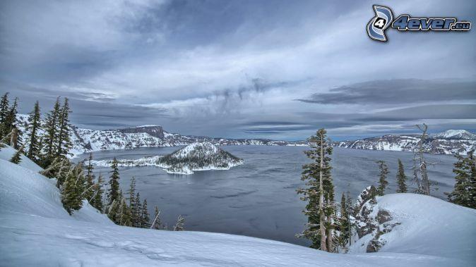 Crater Lake, Oregon, lake, snowy mountains
