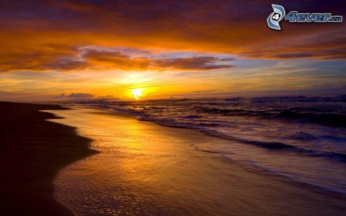 прекрасного вечер в августе у моря чем