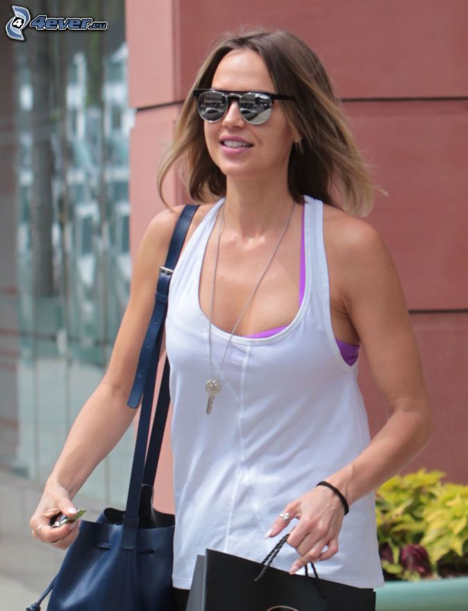 Arielle Kebbel, sunglasses, bag