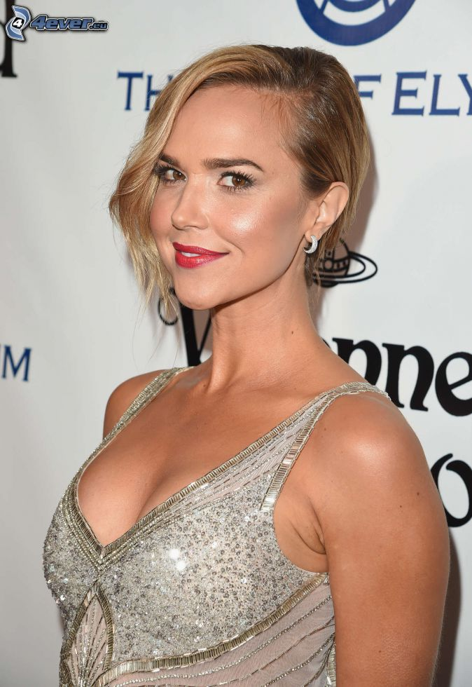 Arielle Kebbel, white dress