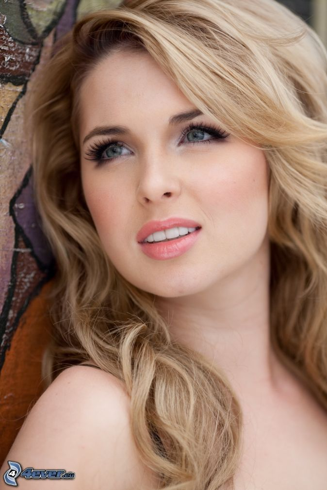 Kirsten Prout Nude Photos 68