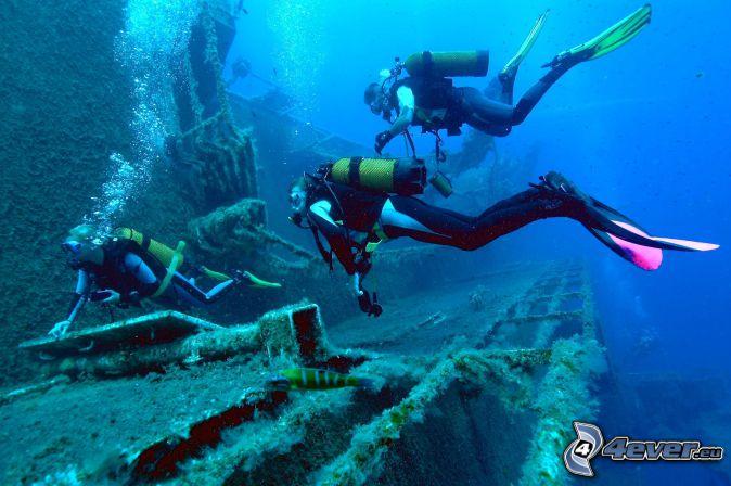 divers, shipwreck
