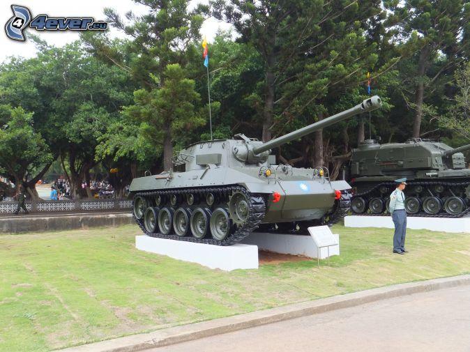 M18 Hellcat, tanks, exhibition, park