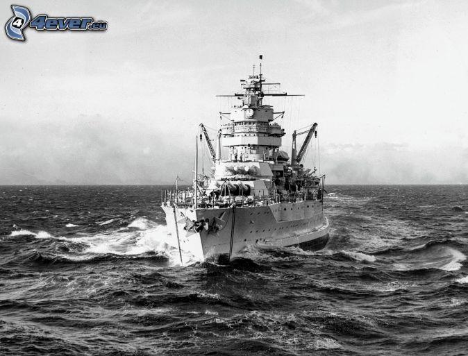 USS Idaho, open sea, black and white photo