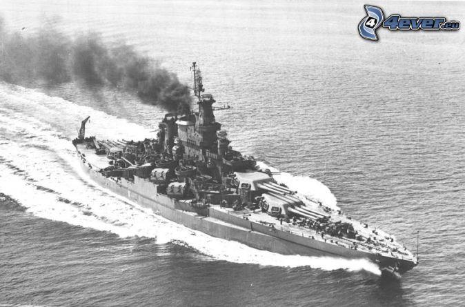 USS Idaho, sea, black and white photo