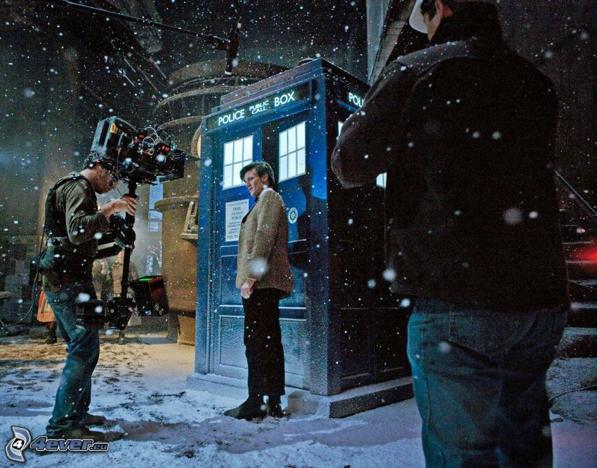 Doctor Who, telephone booth, snow