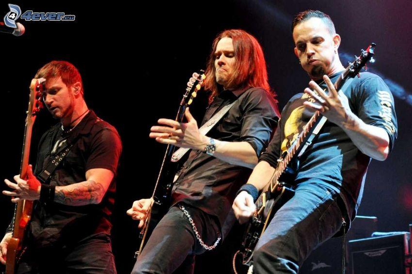 Alter Bridge, Myles Kennedy, Mark Tremonti, Brian Marshall, concert, guitarists