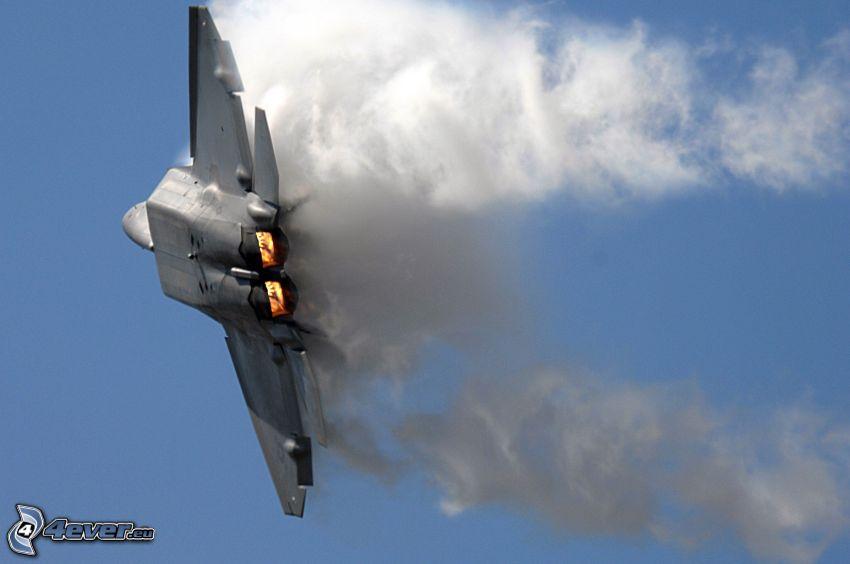 F-22 Raptor, smoke