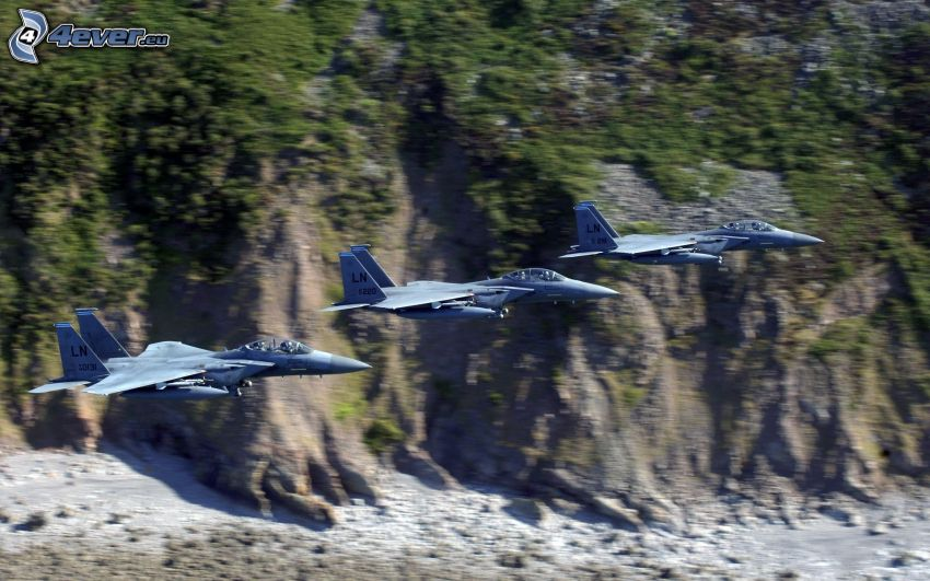 Fleet of F-15 Eagle, cliff