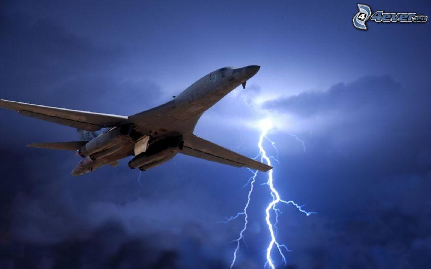 Rockwell B-1 Lancer, lightning