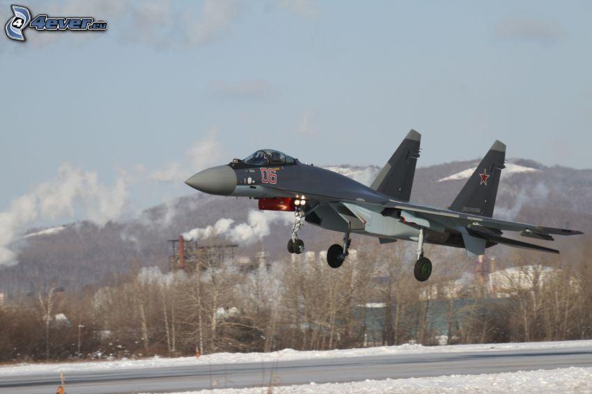 Sukhoi Su-35, snowy landscape