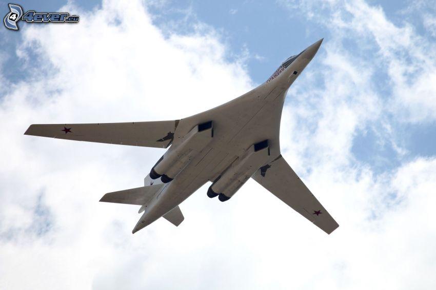 Tupolev Tu-160, clouds