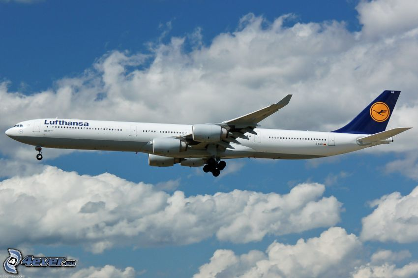 Airbus A340, clouds