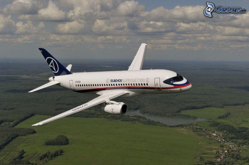 Sukhoi Superjet 100, clouds