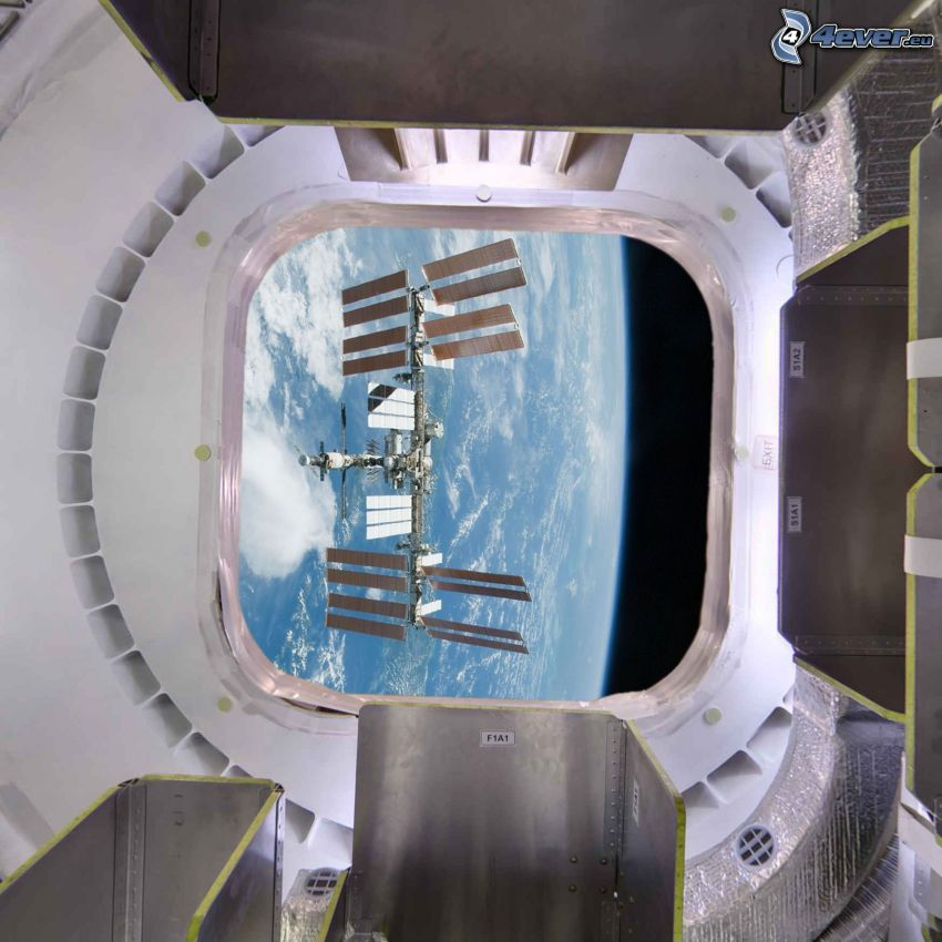 Dragon SpaceX, International Space Station ISS