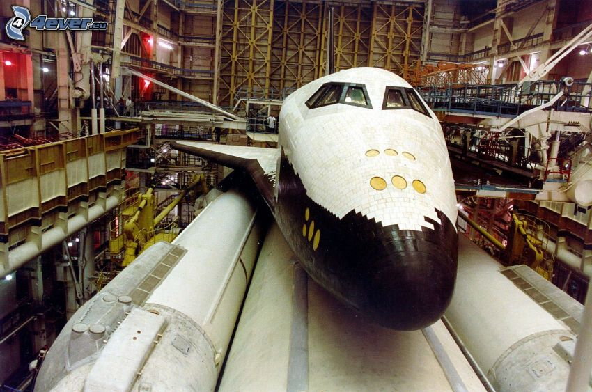 russian space shuttle Buran, Energia rocket
