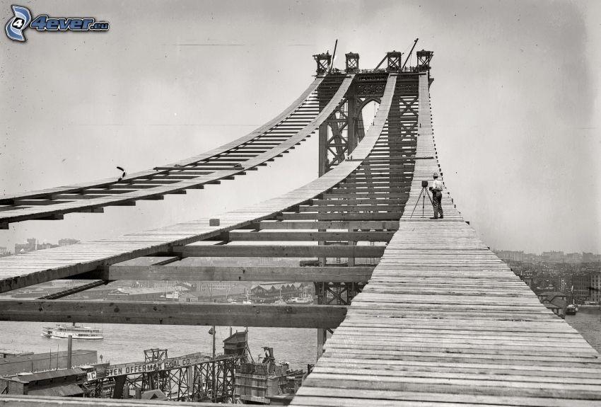 Manhattan Bridge, construction, black and white photo