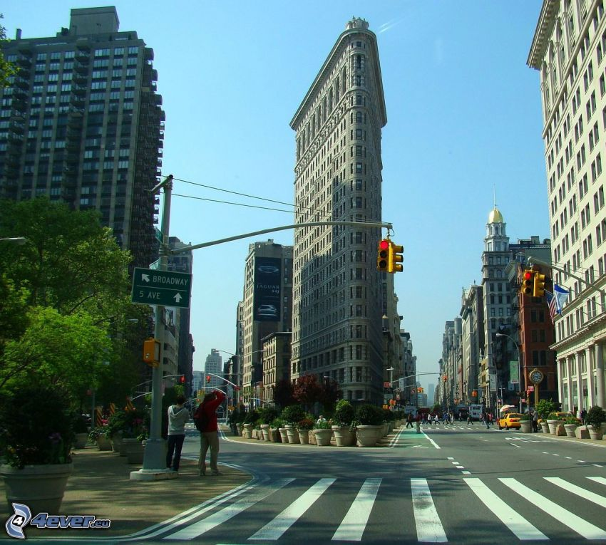 Flatiron, Manhattan, streets, traffic light