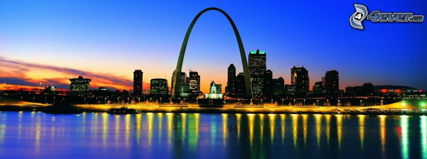 Gateway Arch, St. Louis, evening city